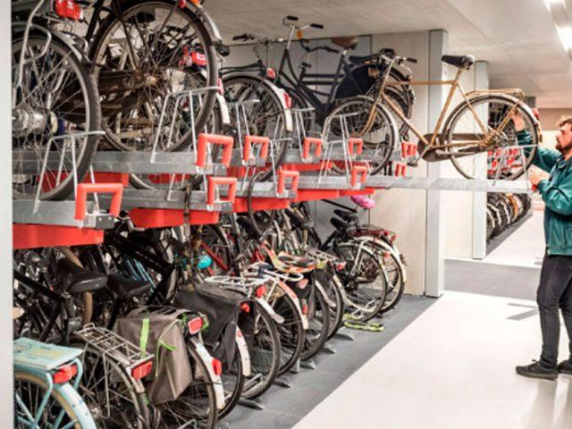 http://ecoparking.io/wp-content/uploads/2019/09/estacionamento-bike-holanda-face-640x480.jpg