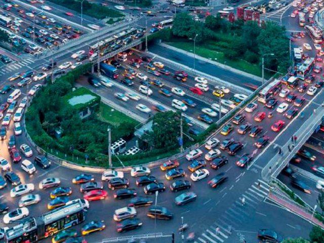 http://ecoparking.io/wp-content/uploads/2020/11/transito-cidades-inteligentes-640x480.jpg